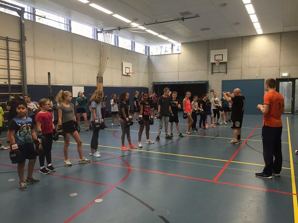 Krista fleming en fred royers als sporthelden op het for Montessori college arnhem